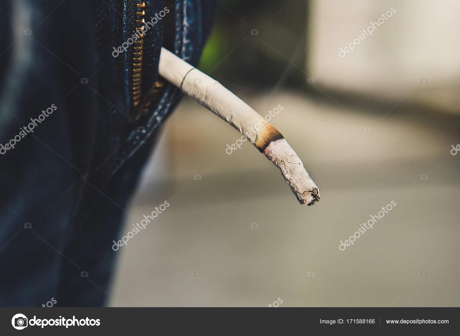 Prst v zadku kouření