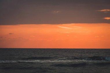 Horizon line over the ocean - background