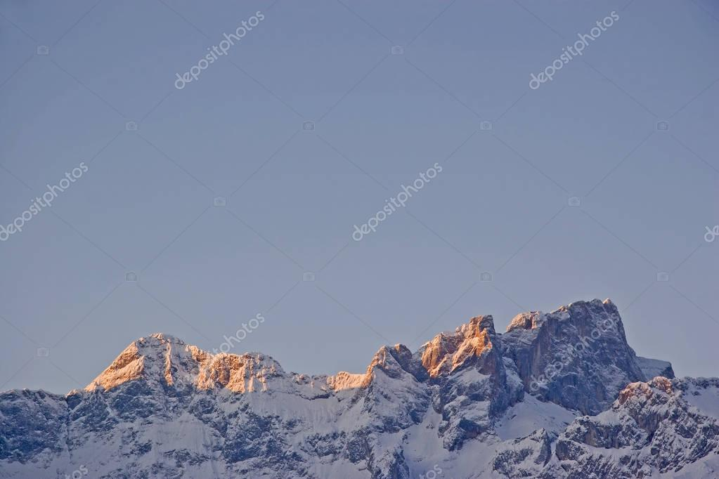 Sunrise in the Karwendel mountains in the high winter