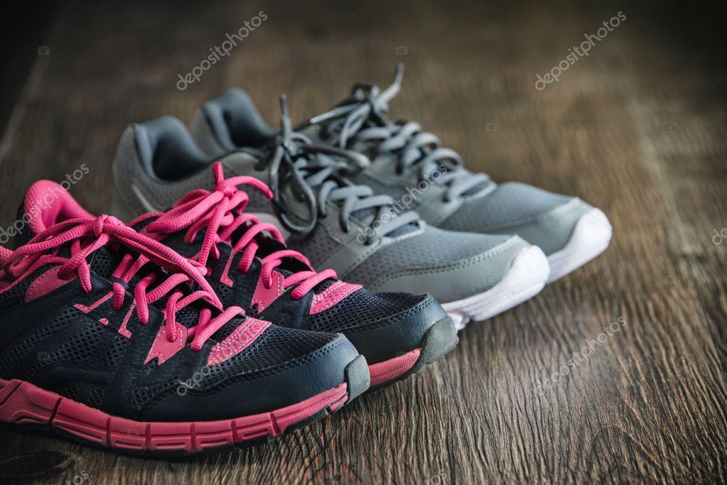 ed5e8713e06 Τρέχοντας αθλητικά όργανα γυμναστικής, αθλητικά παπούτσια αθλητικά  παπούτσια, υγιείς — Φωτογραφία Αρχείου