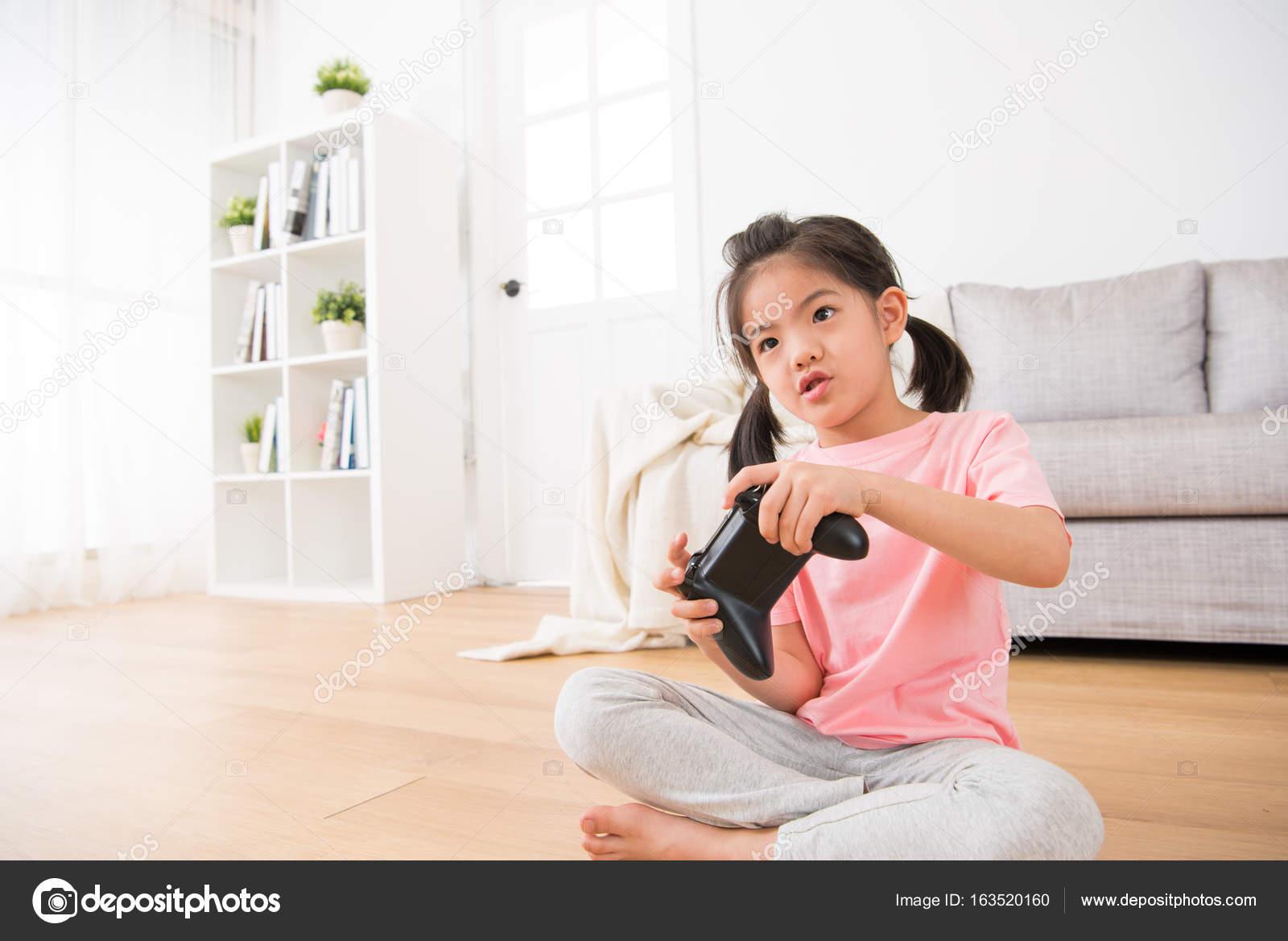 Фото девушек домашнее дети 42
