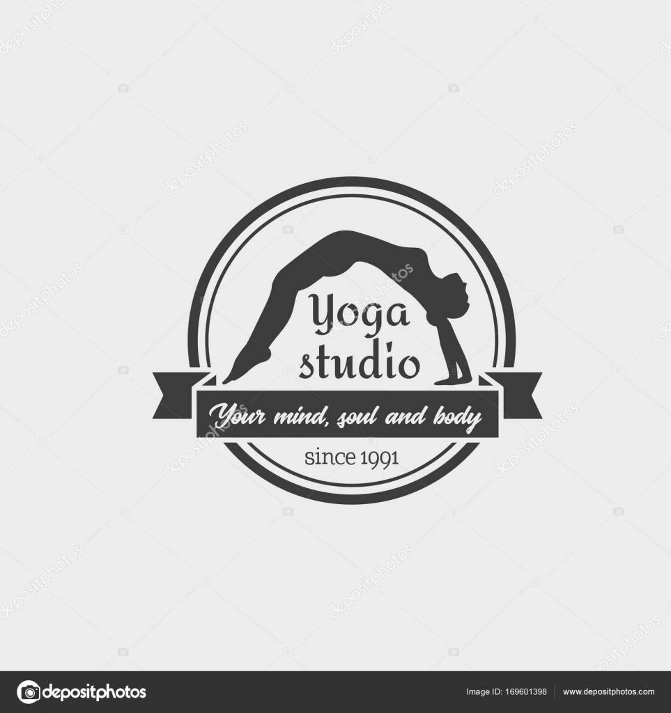 Yoga estudio Logo plantilla — Vector de stock © Woters #169601398
