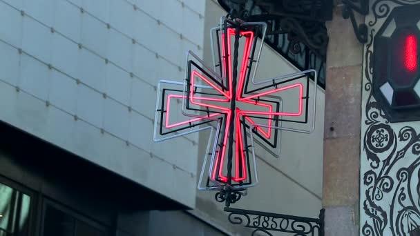 Neon červený kříž lékárna Symbol