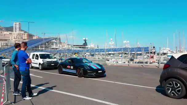 Black Porsche 981 Cayman GT4