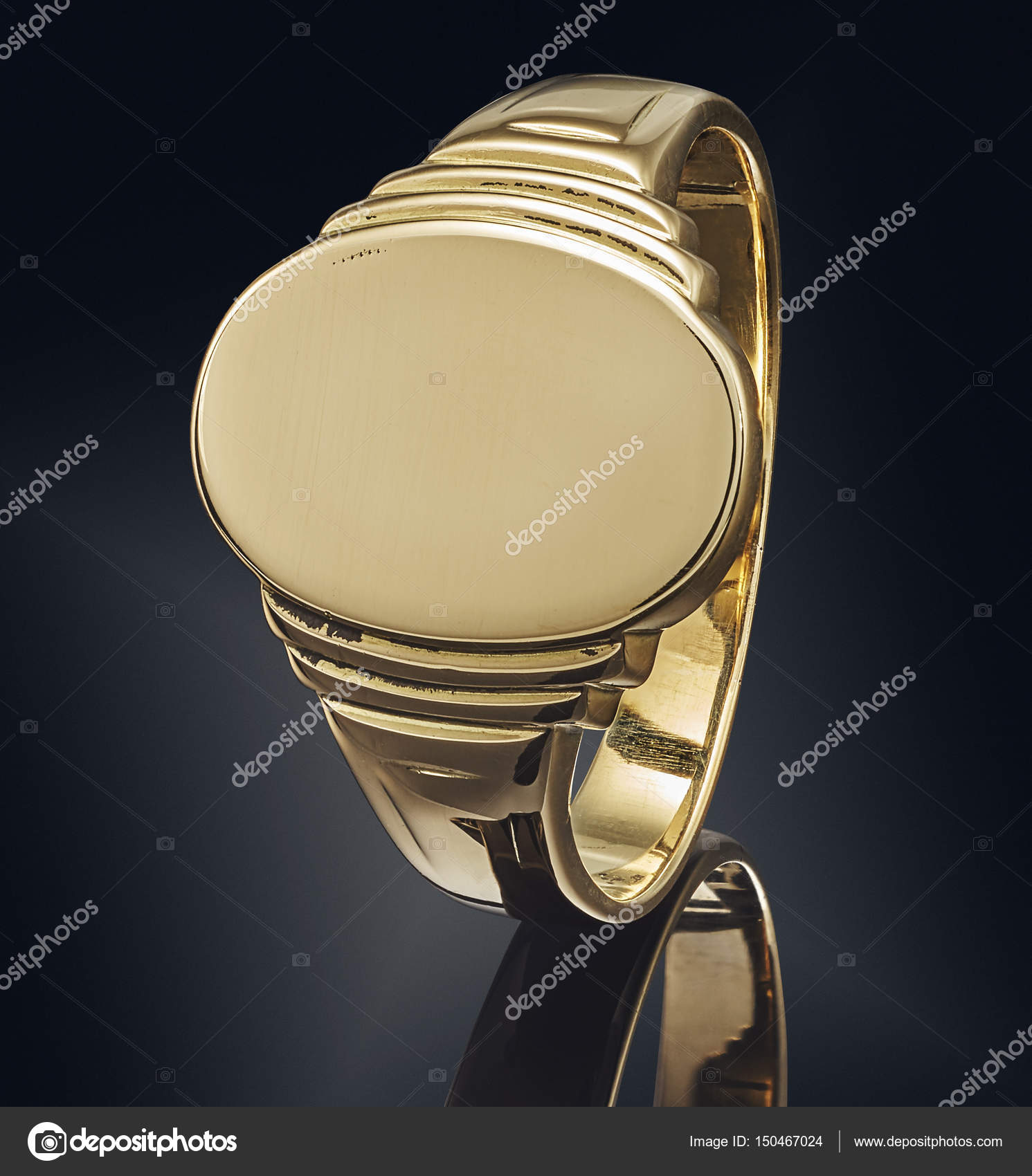 beautiful Golden ring isolated on black background — Stock Photo ...