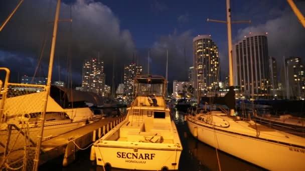 Plachetnice Honolulu