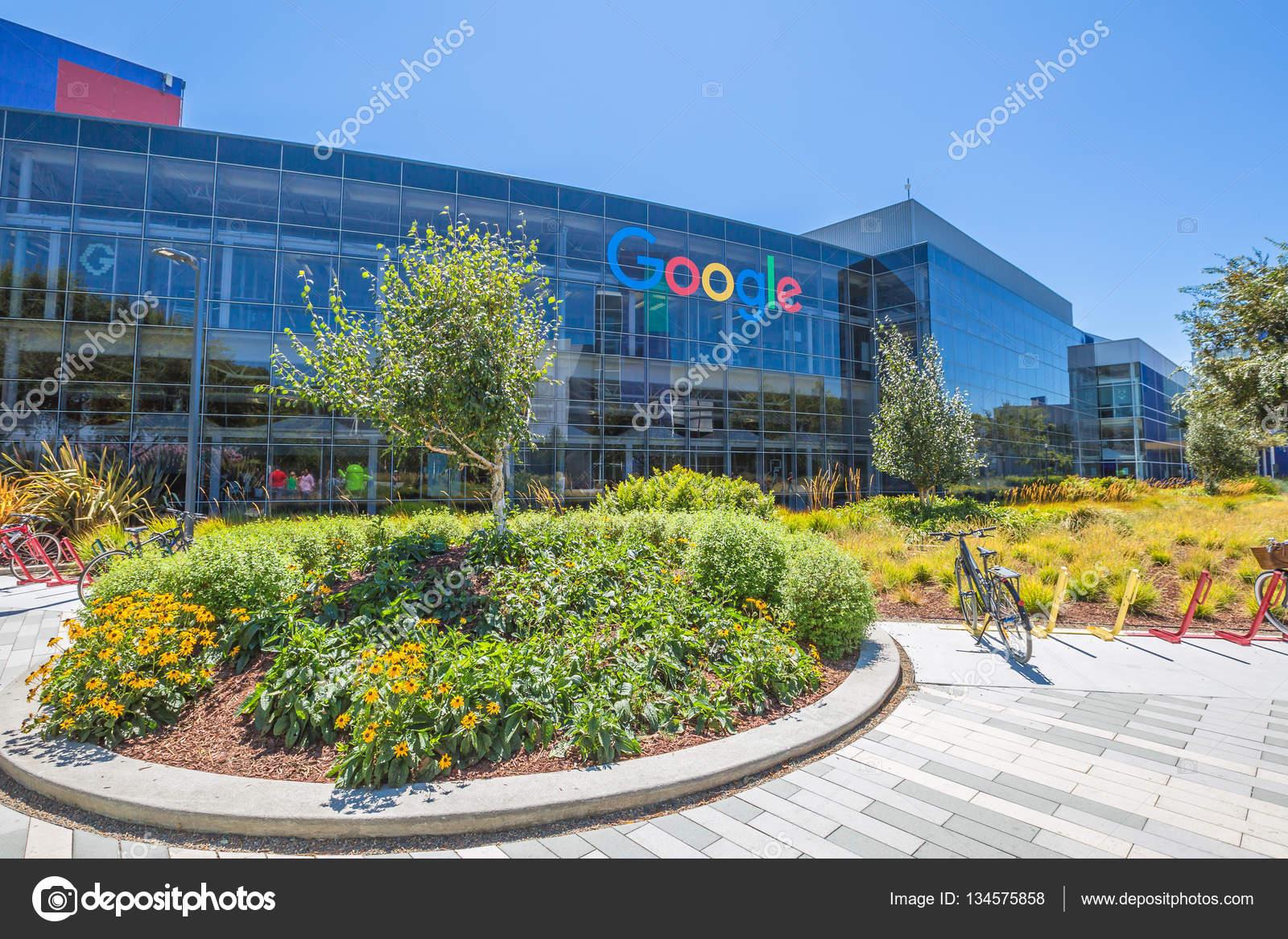 google zentrale california redaktionelles stockfoto bennymarty 134575858. Black Bedroom Furniture Sets. Home Design Ideas