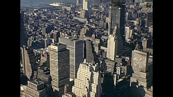 říše státní budovy pohled