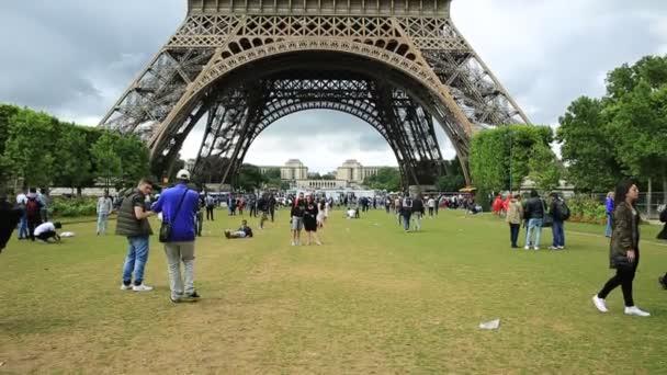 Eiffel Tower tilt shift