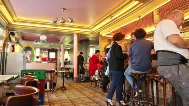 Amelie cafe deux moulins