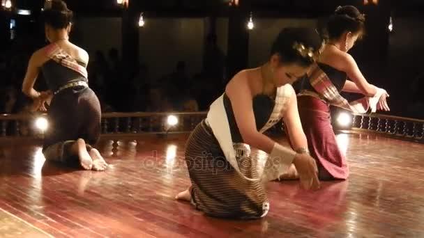 Thajské svíček tanec