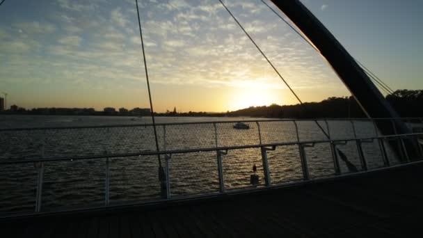 Elizabeth Quay most západ slunce