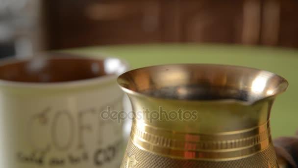 Az otthoni kávé-tábla.