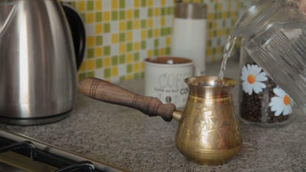 Domácí kávu v tabulce
