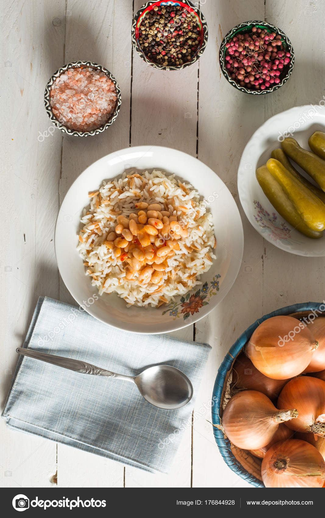 Traditionelle Türkische Küche Kuru Pilav — Stockfoto © akayarda ...