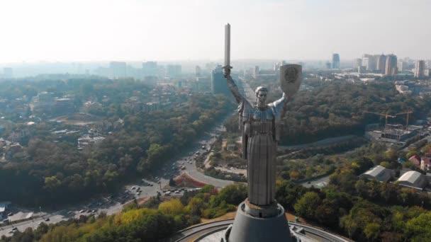 Kyjev, Ukrajina. Slavná destinace ve východní Evropě. Video 4k záběry. Aerial drone top vie.