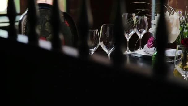 Slavnostní svatební stůl.