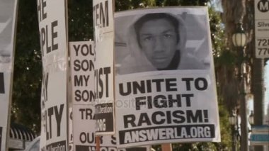 UNITE TO FIGHT RACISM Sign