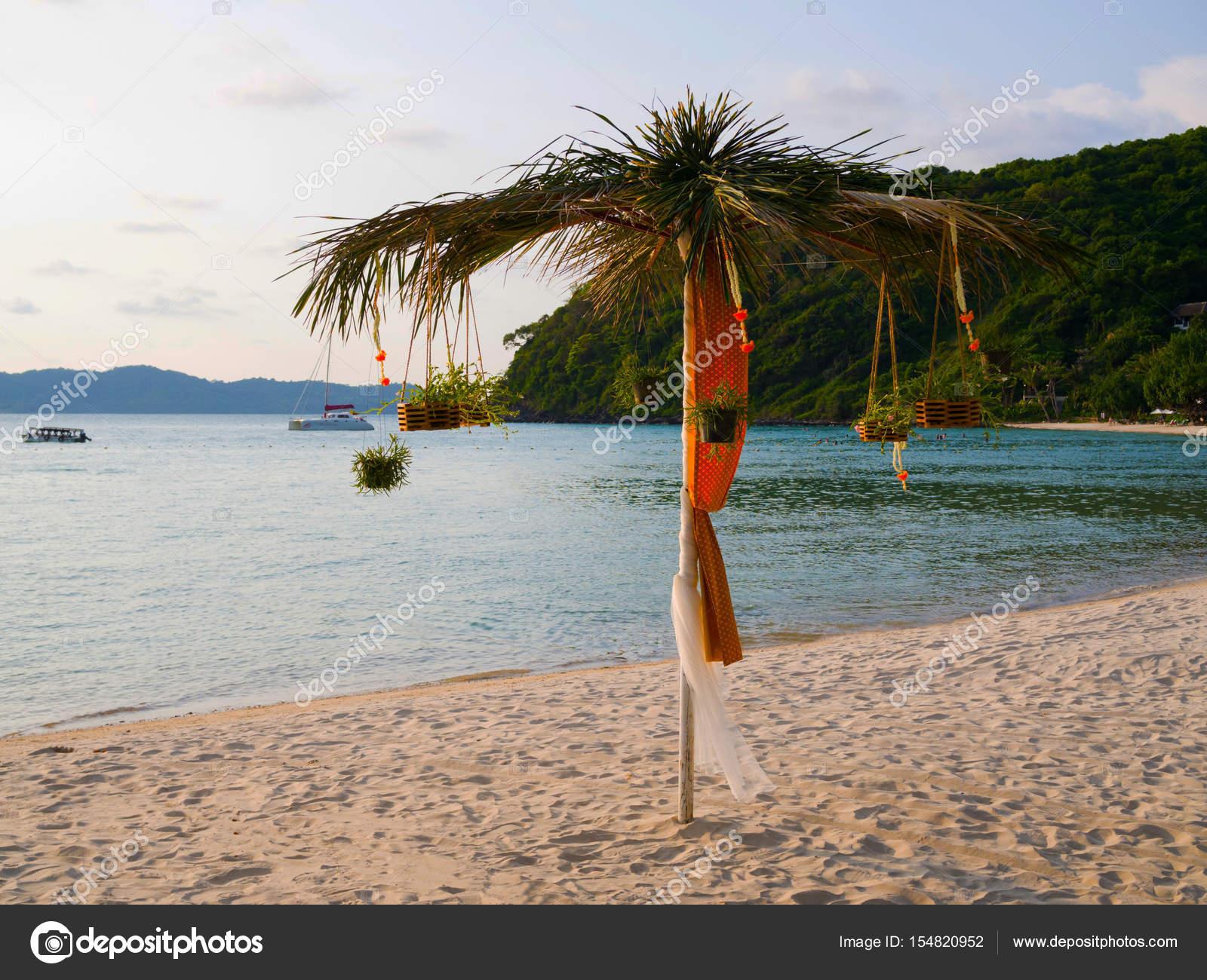 Strand Sonnenschirm Exotische Dekoration Mit Kokospalme Blick Aufs