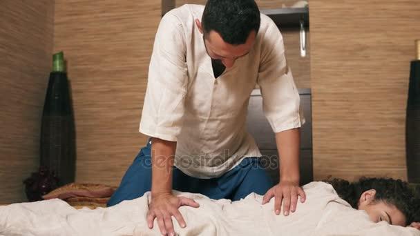 Тайский массаж мужчин видео — pic 7