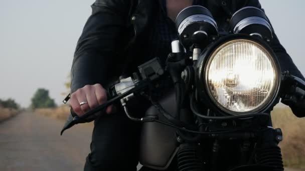 De Vue Blouson En Moto Face Homme Méconnaissable Noir D'un Cuir BdUdTZq