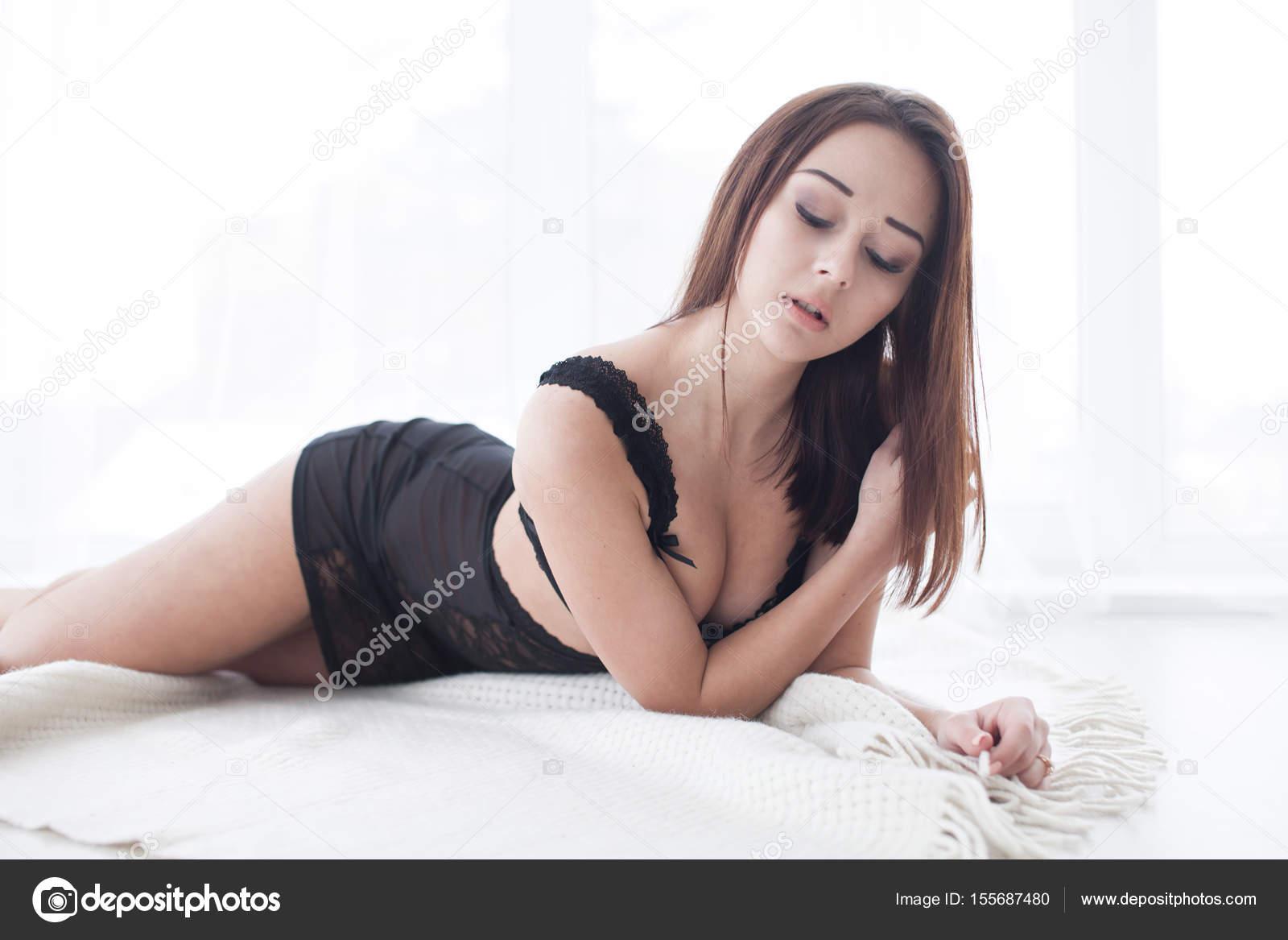 Эротика красивая форма тела, секс девушка ногами к верху