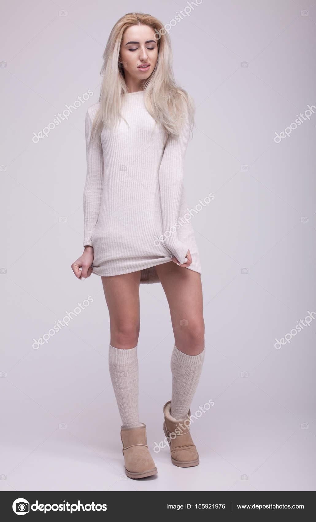 066dce1f4678 Μόδα Μπότες χειμώνα. Ζεστά Χειμωνιάτικα γυναικεία ρούχα. Casual στυλ ...