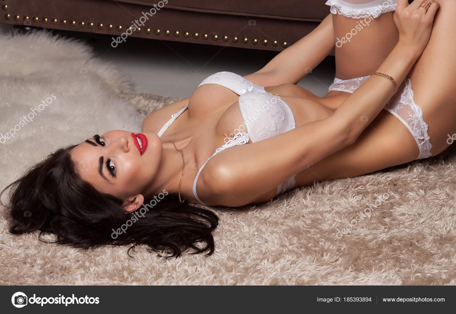Красивые позы в сексе с подвязками