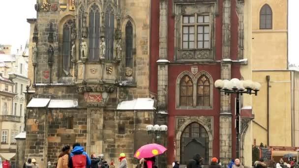 Středověký orloj a kostel Panny Marie před Týnem Staroměstské náměstí v Praze České republice 02 únor 2017