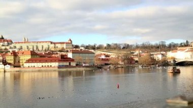 Pohled Pražský hrad a vltava river