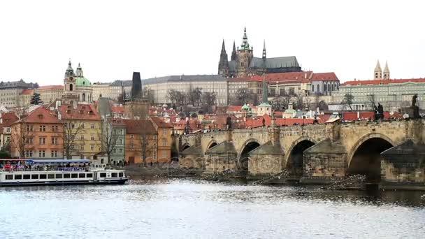 Karlův most a Pražský hrad 3