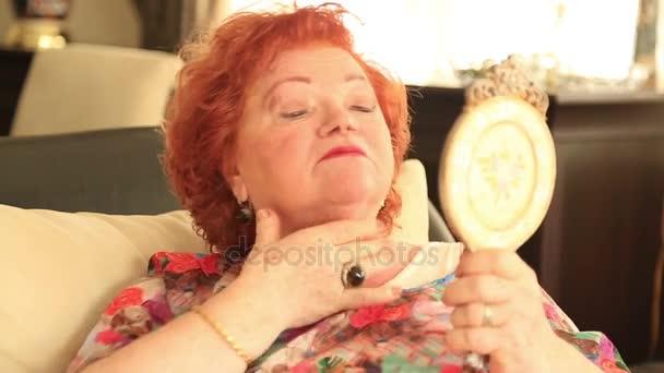 idősebb nőt alkalmazó anti ránc krém