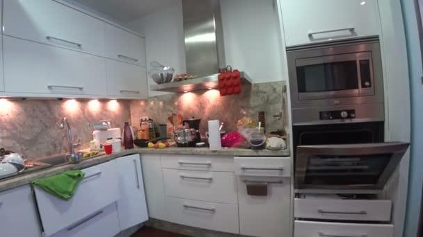 Špinavé a špinavá kuchyň 3