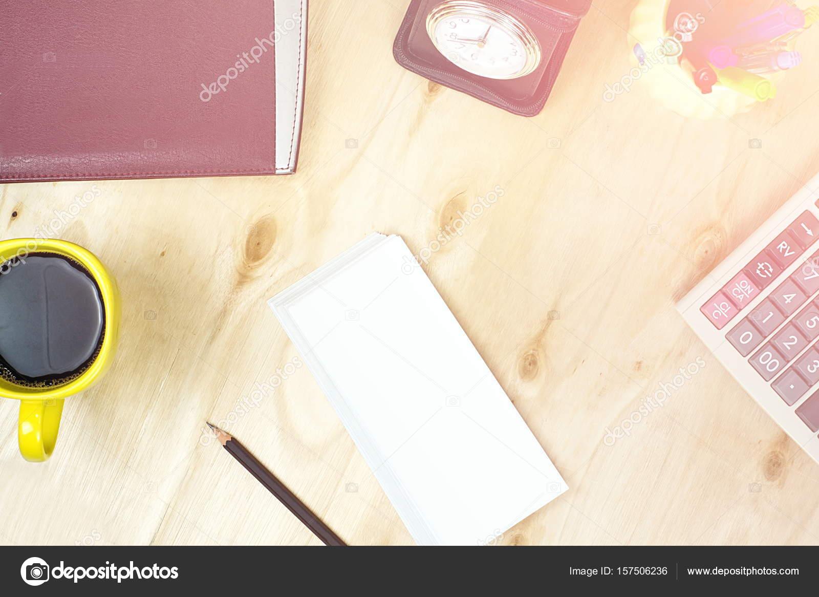 Noir crayon nous dollar billet jaune avec café et u photographie