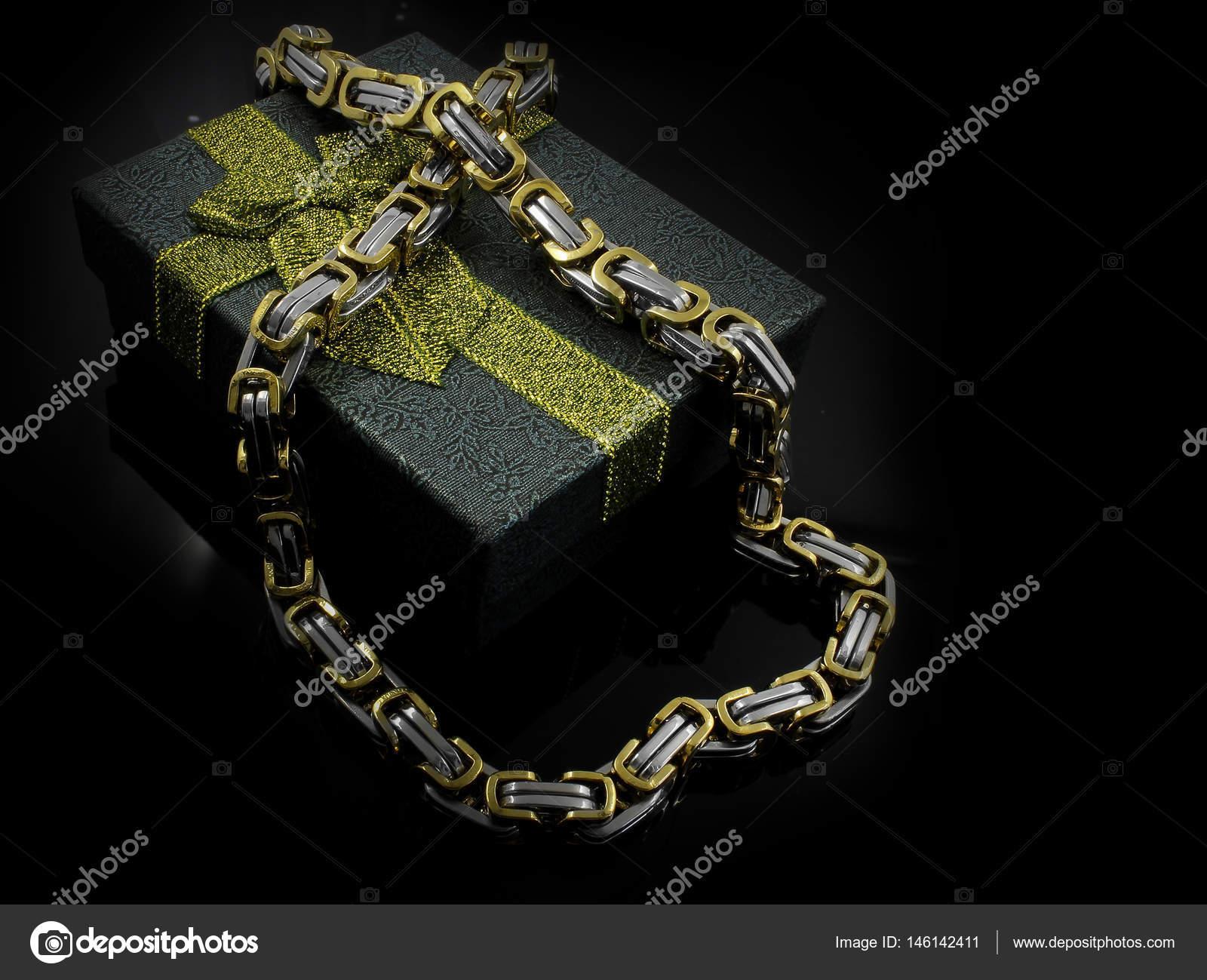 Řetěz pro muže - Luxusní šperky - nerez — Stock Fotografie © JanDix ... c58a20f3d9
