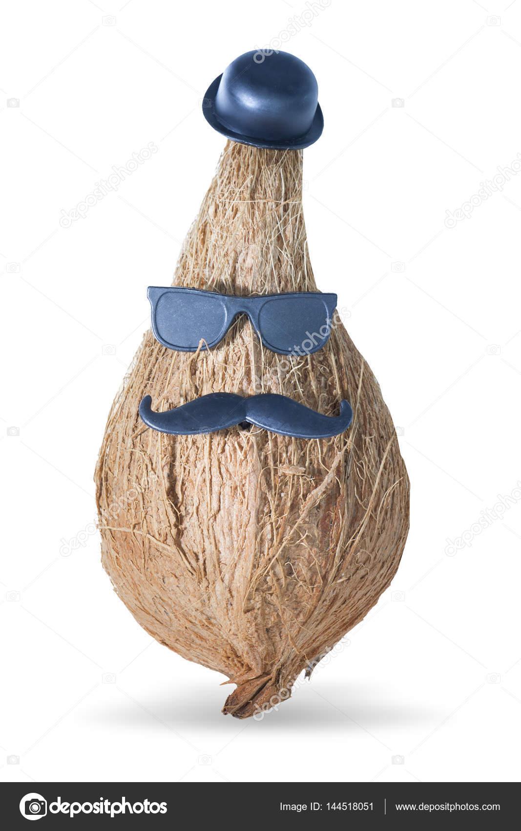 Fondo blanco coco aislada con trazado de recorte — Foto de stock ... 1c600aae2be