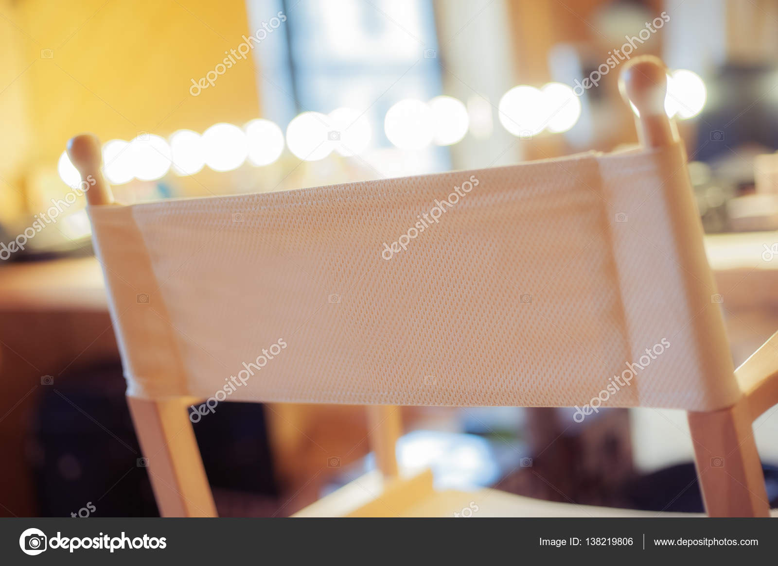 Make Up Stoel : De make up stoel u2014 stockfoto © guruxox #138219806