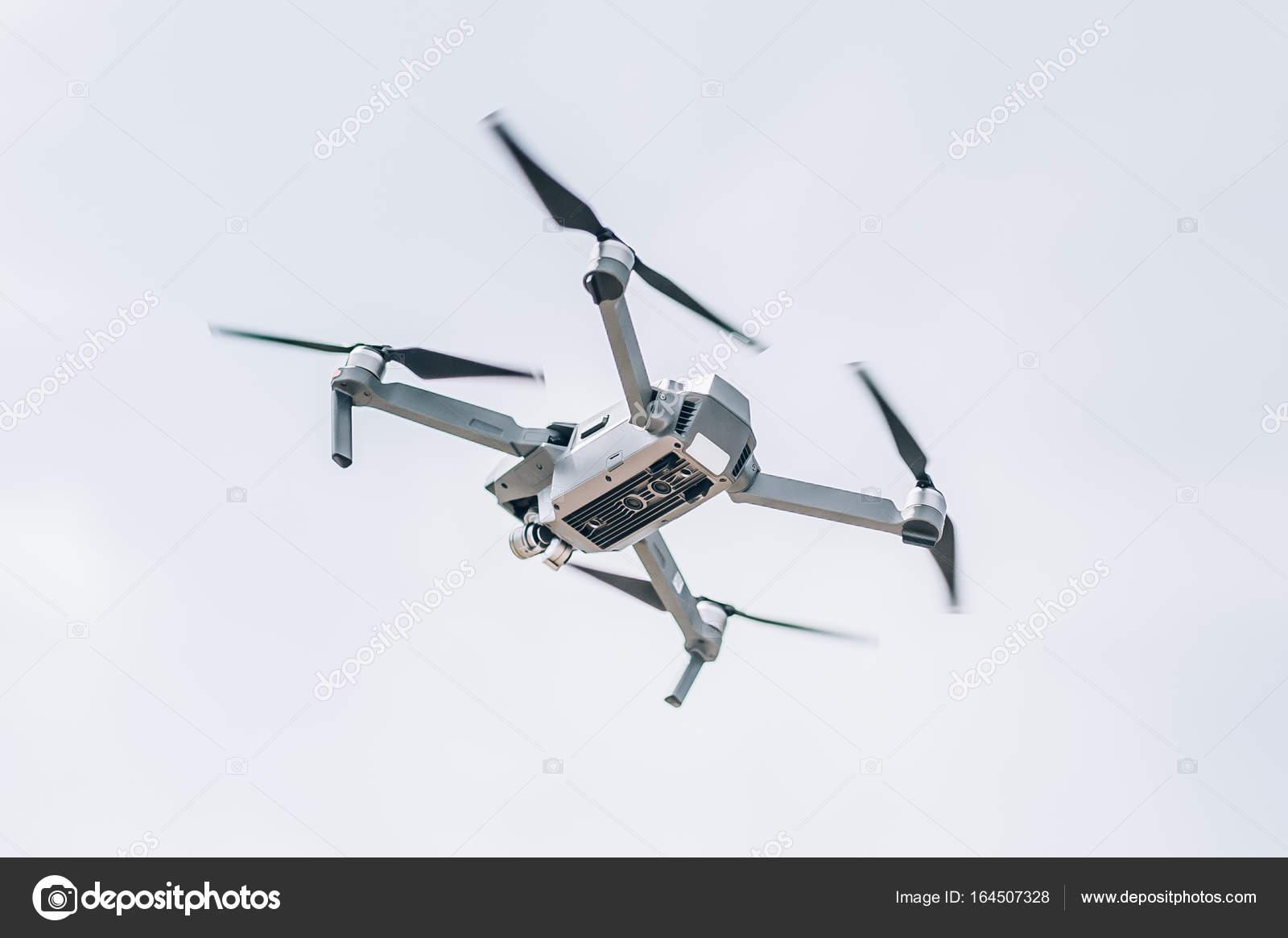 Commander drone chat et avis drone intelligent