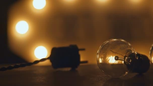Retro gloeilampen en stekker. verlichting in loft-stijl. Lichte ...
