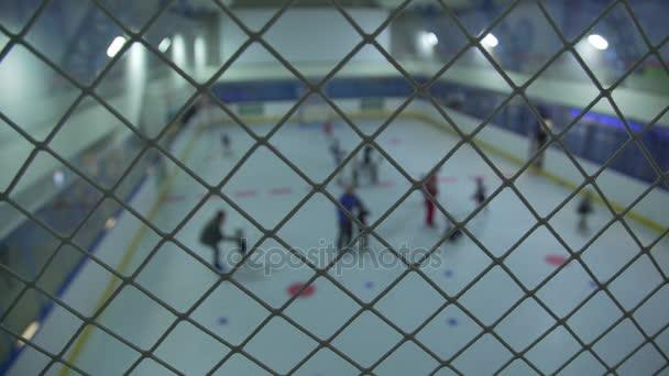 Rusko, Novosibirsk, 2017: Tribuna fanoušků v hokejové aréně