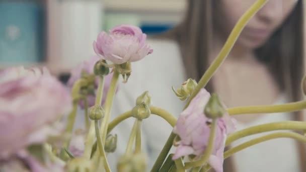 Virág rajzolatú stúdió, így dekorációk. Virágüzlet. Virágbolt