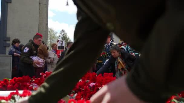 Rusko, Novosibirsk, 9. května 2017: Rusové slaví den vítězství