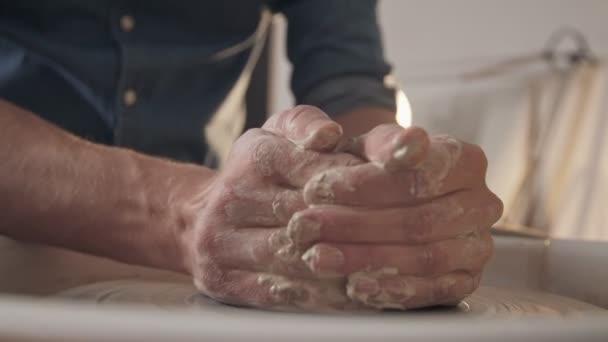 Crafting, maßgeschneiderte Produkte: Keramik und Ton-Produkte