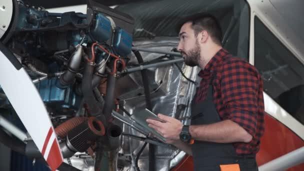 Kontrolní technik motor