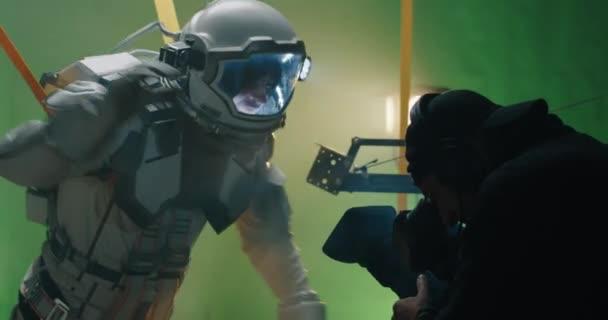 Natáčení scény s astronautem