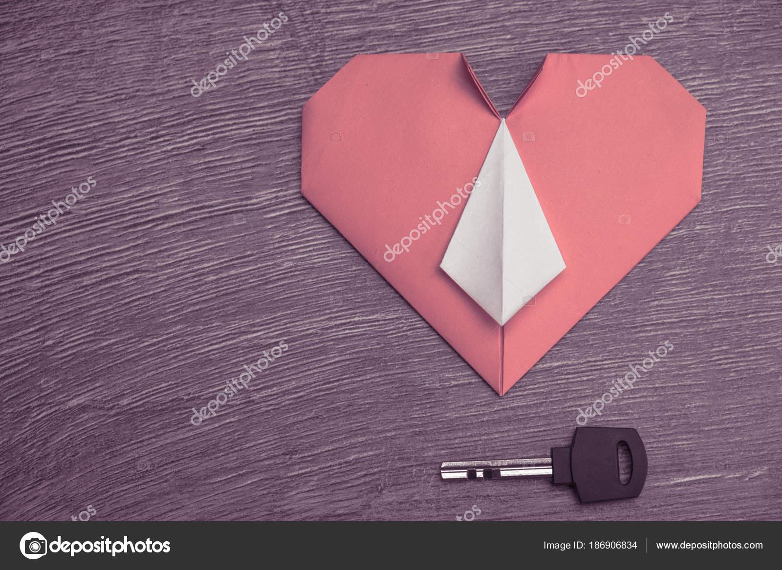 Key To Heart Symbol Of Love Stock Photo Bravissimos 186906834