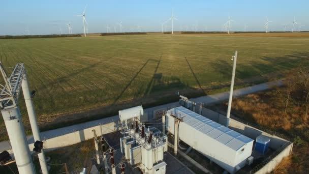 Turbine windmill electricity generator. Elektrische Unterstation
