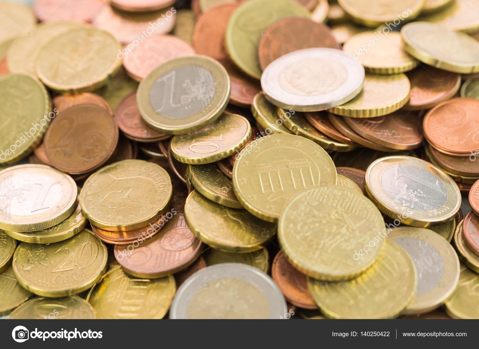 Haufen Von Verschiedenen Euro Münzen Stockfoto Juni Art 140250422