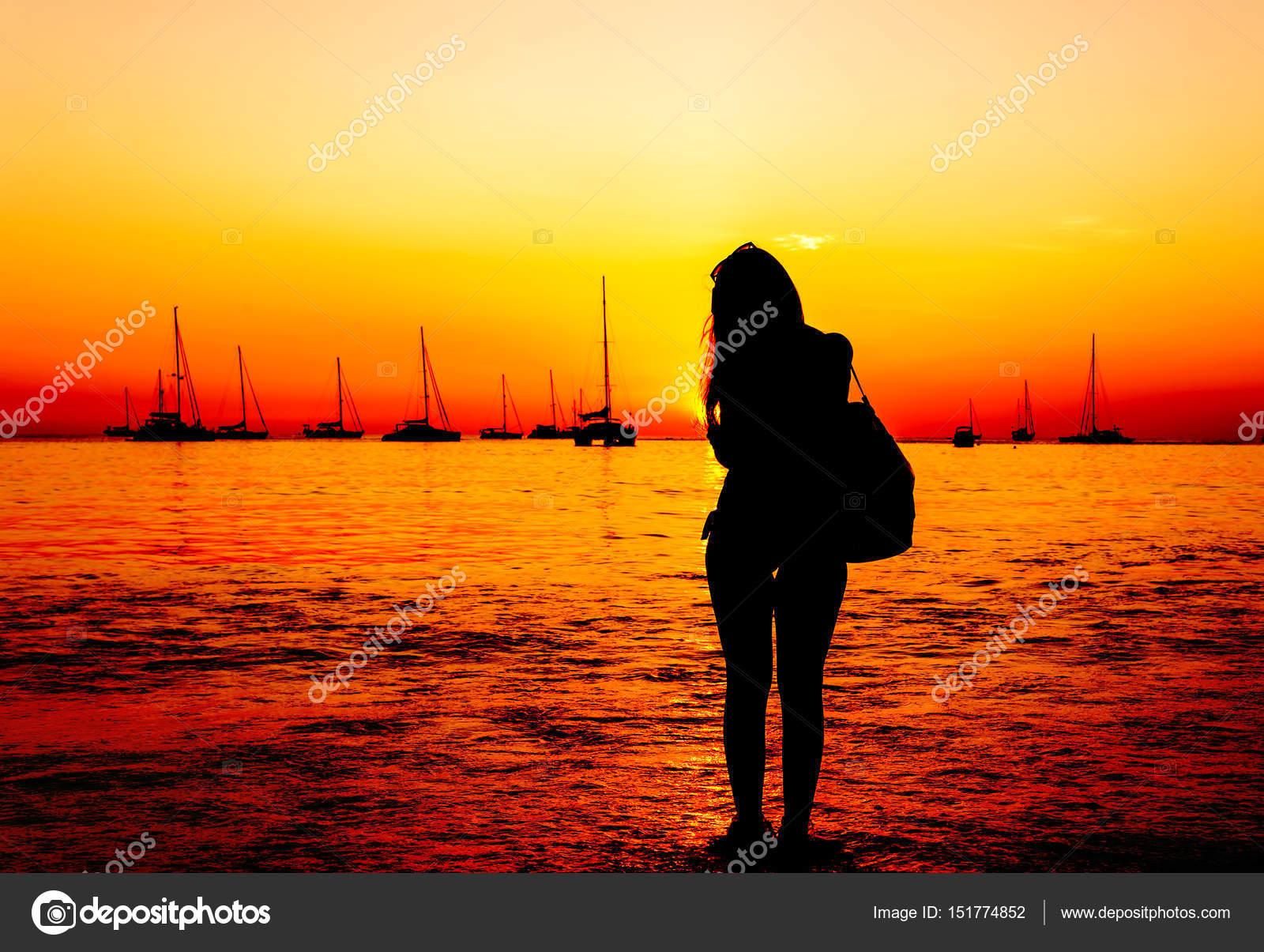 Девушки на пляже в бикини (60 фото) - *о, солнце, море, пляж, девушки в бикини и без