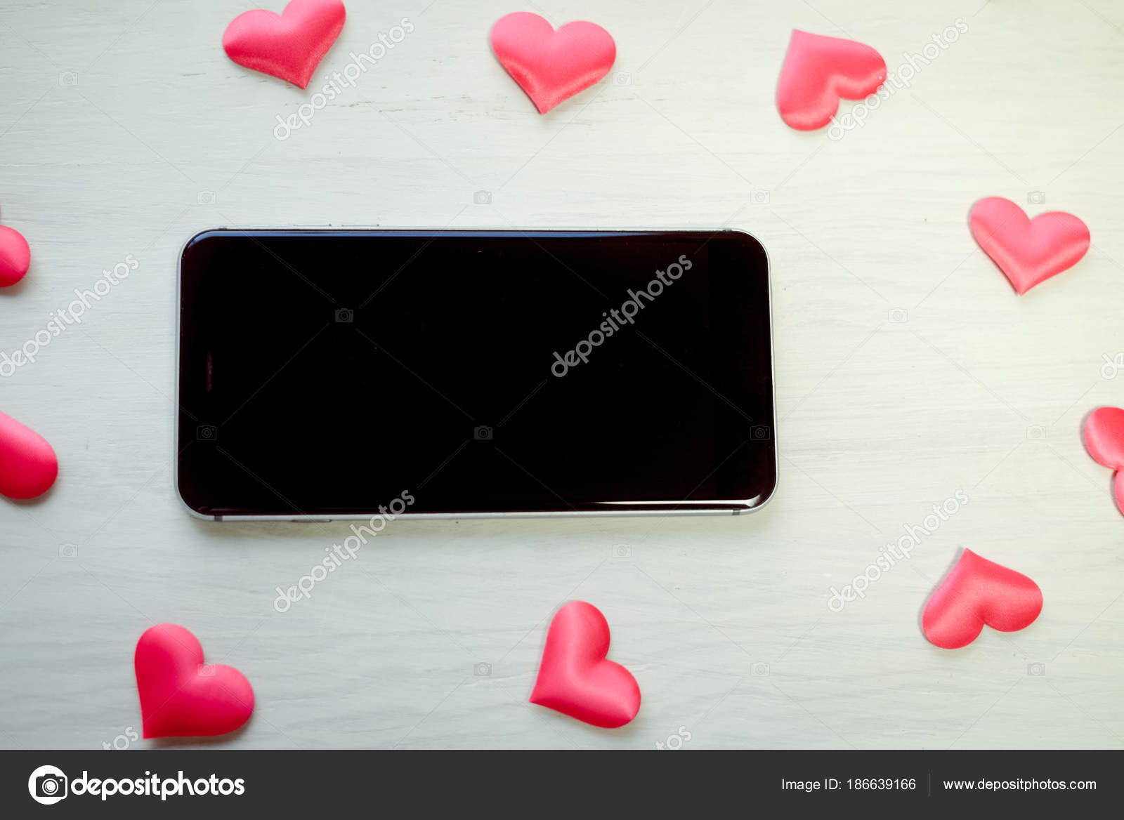 Love Heart Symbol And Mobile Phone Valentine Day Background Design